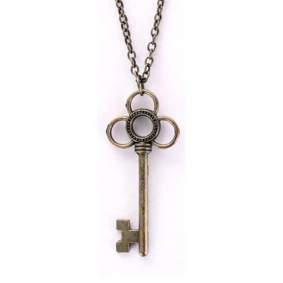 Ketting met sleutel type 1. bronskleurige ketting met een sleutel.