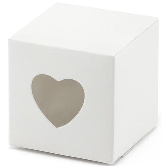 7x verpakking met 10 witte cadeaudoosjes met een hartjes uitsnede. u kunt een klein presentje en/of snoepgoed ...