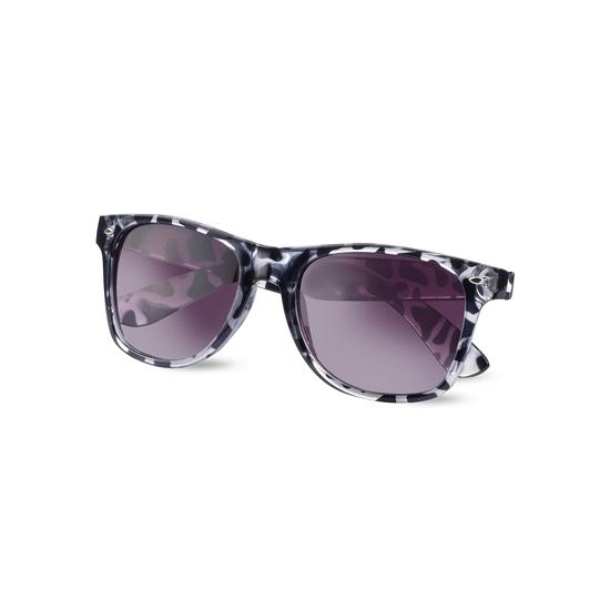 Hippe zonnebril met koeien print. een leuke dames zonnebril met hippen  koeien print. b71d27da8758