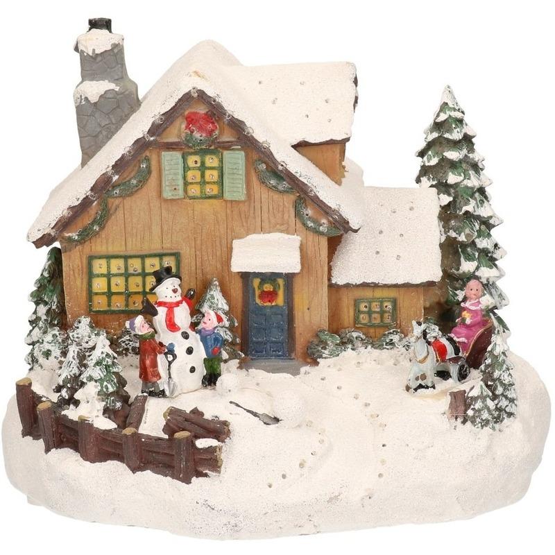 Kerstdorp kersthuisje met sneeuwpop en koets 19 cm
