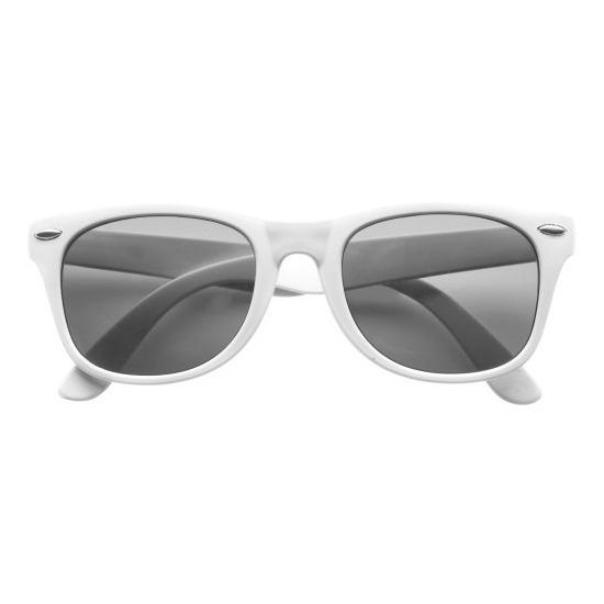 722bf07fc2b5b2 Verkleed toppers zonnebril wit voor volwassenen. deze hippe zonnebril heeft  een wit montuur en biedt
